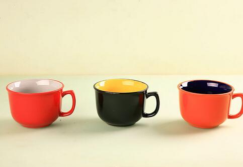 杯子形状能有效影响饮酒的速度