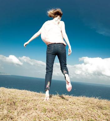 【运动健身】双脚步行多走路能预防百病缠身