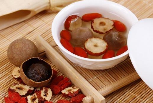 桂圆红枣枸杞茶的功效-桂圆红枣枸杞茶的做法