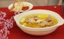 喝鸡汤能够帮助治疗感冒!