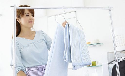 保持衣物的光洁鲜艳需要做到这三点