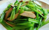 缺钙怎么办 芹菜炒鸡肉是补钙的首选
