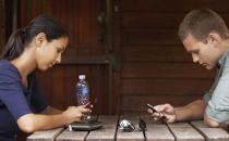 开车玩手机撞死人 手机成瘾如何摆脱