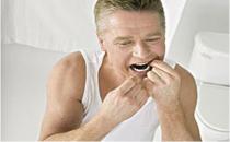 戴假牙睡觉易患肺炎 对健康有哪些危害