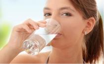 喝水少对健康有哪些危害?