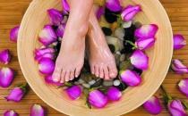 缓解女性痛经的简单泡脚偏方