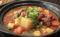 砂锅炖肉味更浓 掌握火候是关键