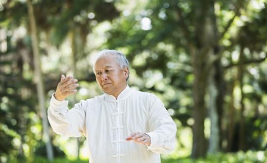 8大平衡运动守护老人健康