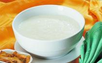 白米粥易消化但营养价值低