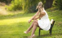 跷二郎腿7大危害 伤脊椎热坏精子