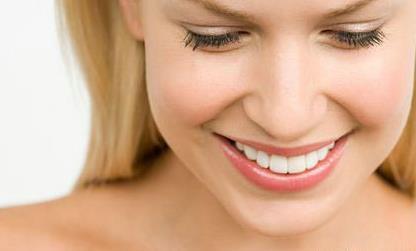 老人经常牙齿发酸是怎么回事