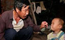 70岁老人娶20岁智障女,并生育两个孩子