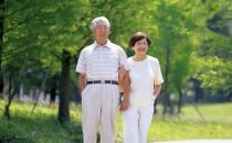 散步强身助眠 老人长寿秘籍