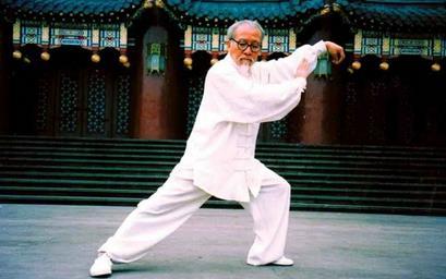 首页 人群健康 老人健康 > 正文      太极拳是我国的传统养生方法