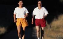 老人家中健身的方式