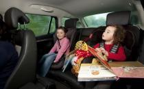 带上孩子开车旅行怎样才安全?