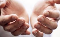 男人手指脱皮是怎么回事