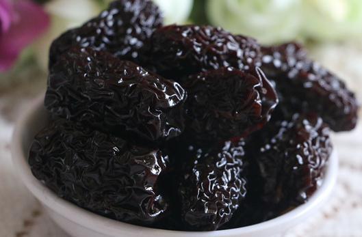 vvv10黑木耳_盘点10种黑色食物的功效 黑木耳可清理肠胃