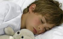 学生睡眠少6小时增肥胖风险