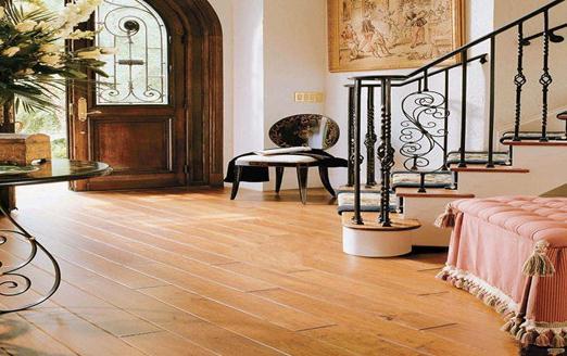 实木复合地板的清洁与保养知识