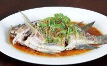 做美味清蒸鱼 八个技巧不能少
