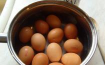 不熟的鸡蛋危害大 煮鸡蛋的6个小技巧