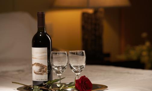 葡萄美酒夜光杯 飲用葡萄酒的正確方法