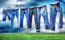 牛仔裤会掉色?教你洗牛仔裤不掉色的方法