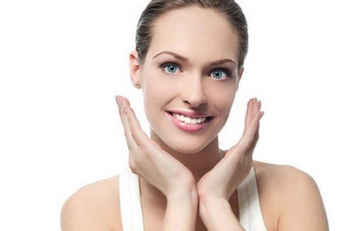 4个简单冬季护肤步骤修复上网受伤肌肤