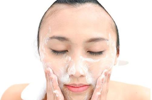 早晨护肤的正确步骤