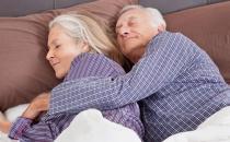 老年人养生注意 睡前莫陷五大陷阱