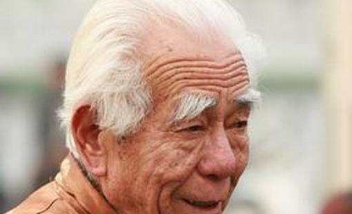 老人的白发长哪里最危险图片