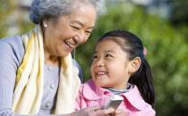 孩子该不该给老人带?老人带孩子的特点