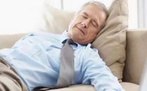 老人失眠必吃安眠药?医教5招对抗