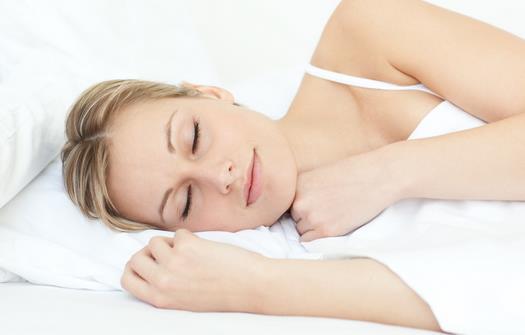 长期侧睡乳房不对称吗 哪些习惯伤害乳房