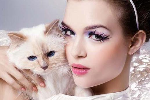时尚猫眼妆眼线的画法