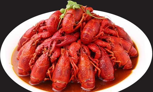 吃虾攻略第二式:看大小    常年吃小龙虾的朋友都知道,小龙虾个头越