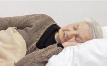 冠心病的老年人宜采用右侧卧位