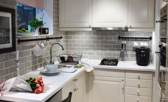 小户型厨房如何整洁的收纳餐具?