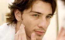 男士洗脸的五大误区 男士洗脸注意什么