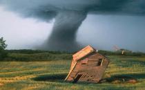 遇到龙卷风的预防措施