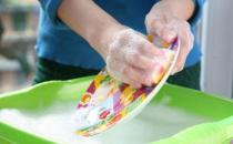 小孩不慎喝下洗涤剂怎么办?