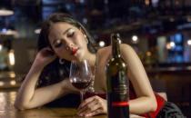 女性饮酒比男性更容易会伤肝