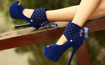 常穿高跟鞋老后易患关节炎