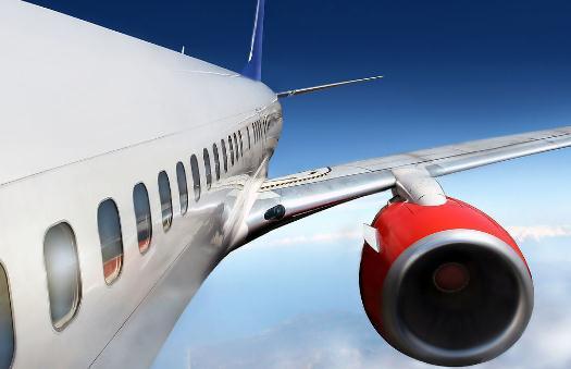 在飞机上使用救生系列装备的方法