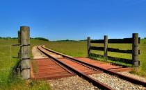 火车托运行李发生事故该如何处理?