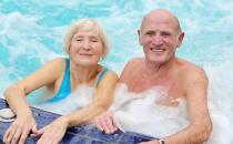 会游泳的老人跌倒概率比较低