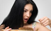 """警惕 女人从""""脱发""""开始衰老"""