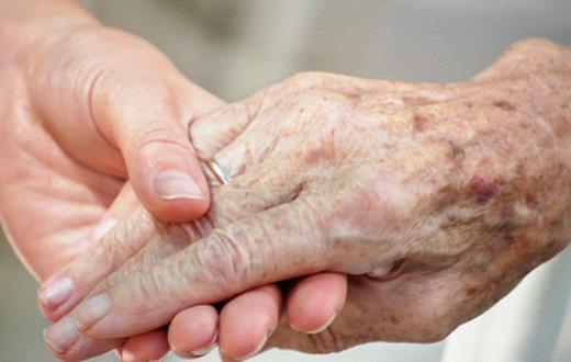 老人如何去除手部的老年斑