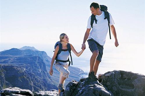 老年人登山的五大注意事项